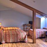 restaurante bar cafeteria hotel la posada pedrito alejo habitacion escalera estancias cama lampara