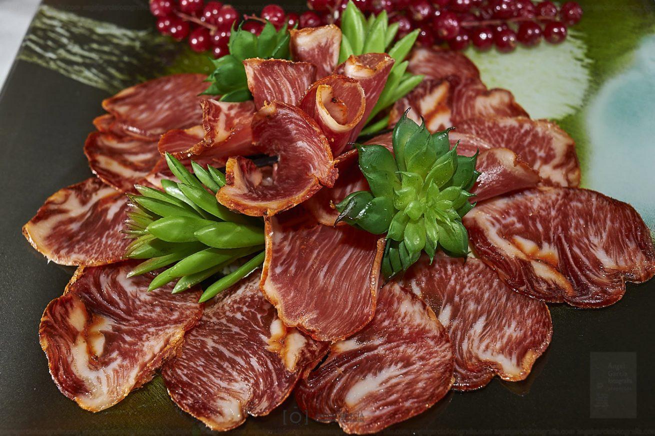 embutido, revisan, la posada, chorizo, jamón, salchichón, lomo, centro, comer, comida, cerdo, ibérico, bellota, plato, tapa, pincho, almuerzo, guijuelo