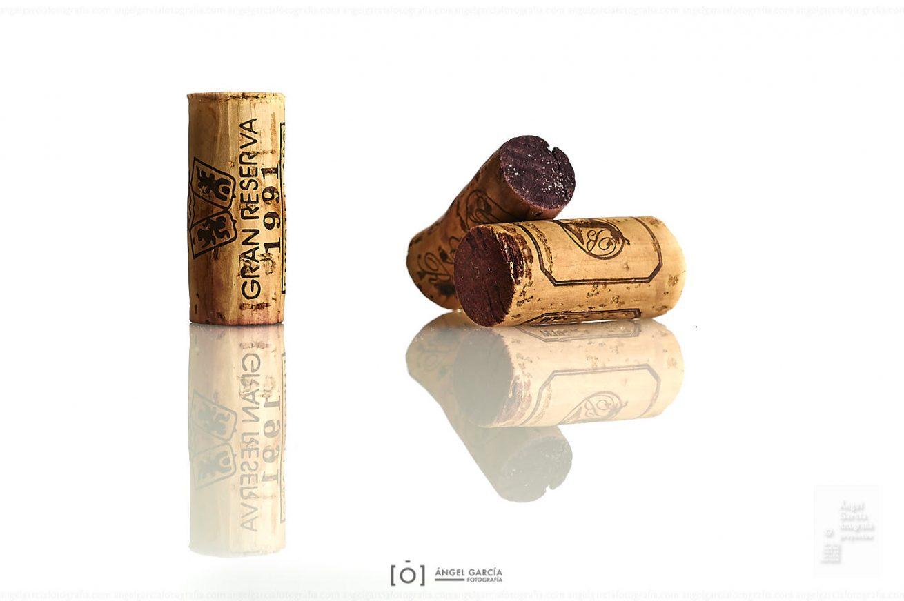 vino, tinto, rojo, ocre, granate, tapón, corcho, bodega, wine, red, clarete, reflejo